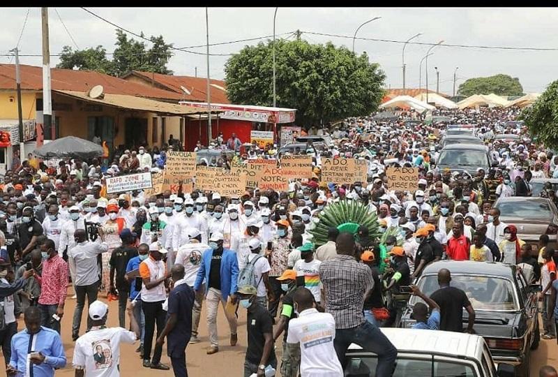 VISITE D'ETAT DANS LA MARAHOUÉ: Alassane Ouattara accueilli par une masse de population à Bouaflé
